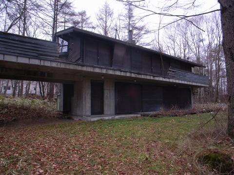 清里の森の家