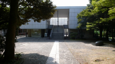 神奈川県立美術館
