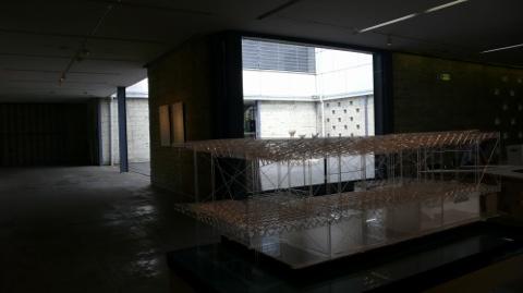 美術館のアクリル模型