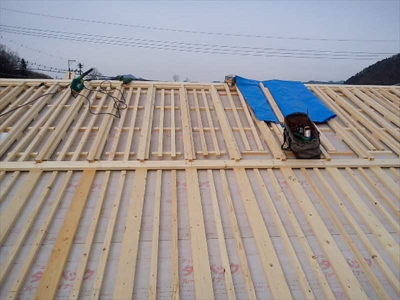 大屋根の通気桟状況
